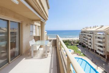 Apartamento en venta en El Perellonet con vistas.