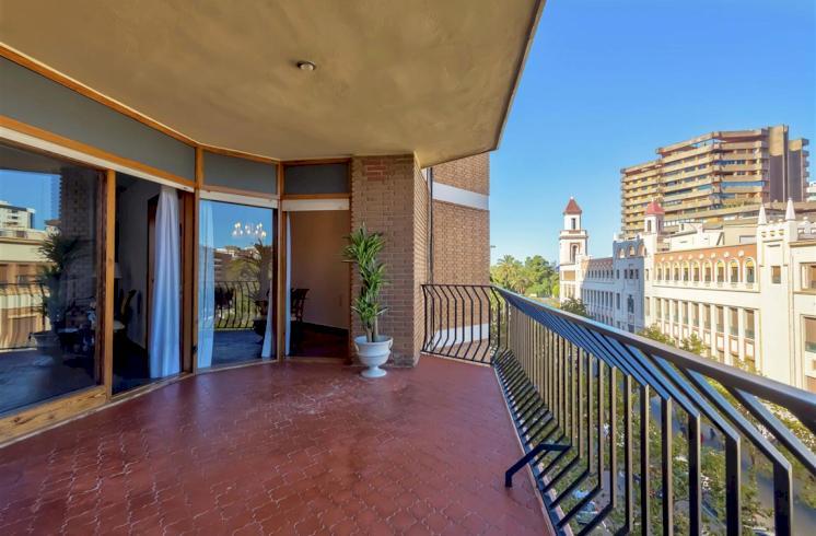Piso de 160m2 en alquiler en Paseo de la Alameda, Valencia.