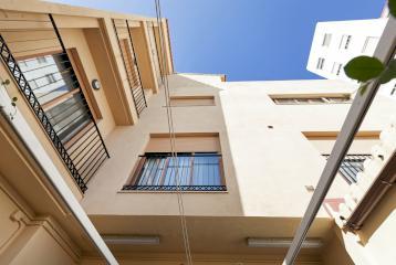 Casa en venta junto a la playa de la Malvarrosa.