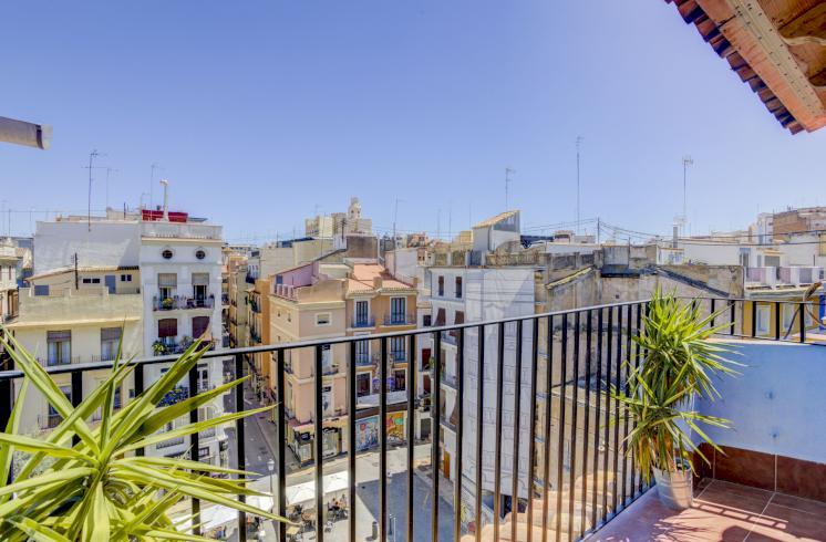Piso 78m2  en alquiler en el centro de Valencia.
