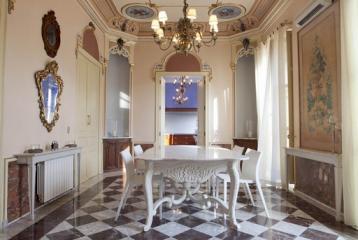Edificio palaciego en venta en Valencia, completamente restaurado.